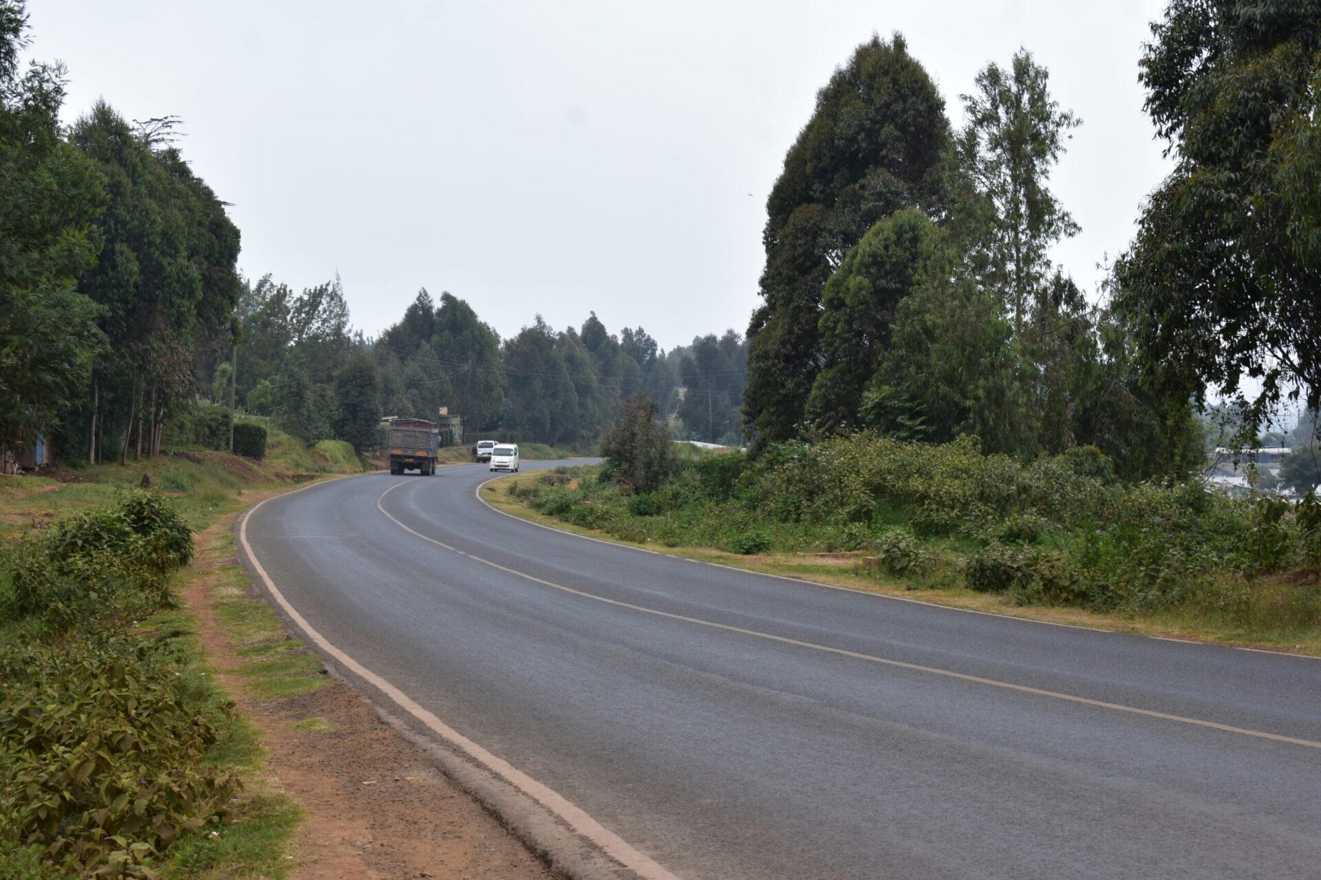 100×100 plot along tarmac in Ndeiya
